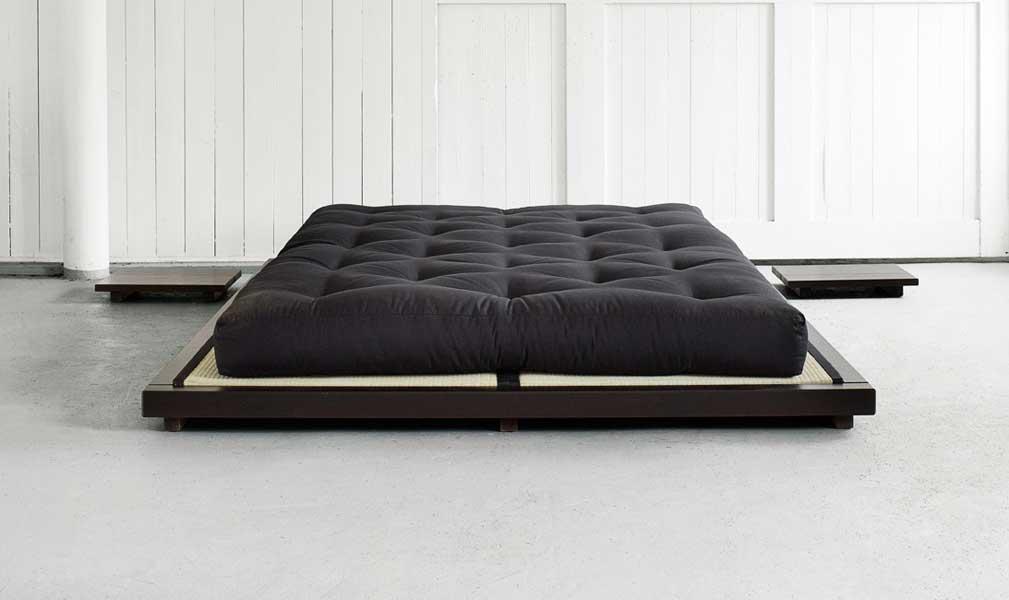 futon seng Dock sengeramme 180x200 FSC ® wenge kastanjebrun Tilbud: 2.175,00 futon seng