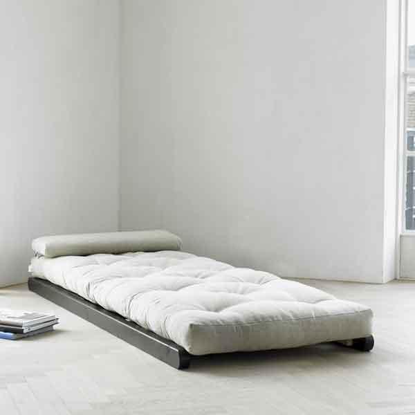 Tidssvarende FIGO lounge 70x200 FSC ® fyrretræ Tilbud 1.220,00 DKK IJ-69